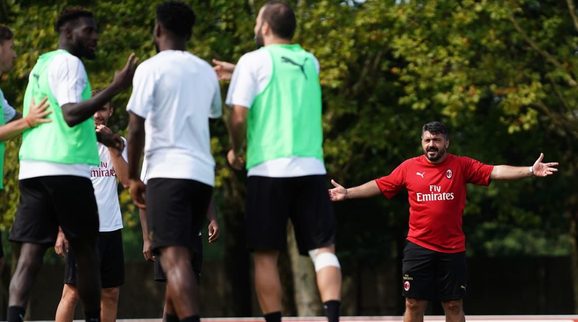 Allenamento rossonero verso l'esordio a San Siro contro la Roma