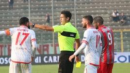 Serie B Crotone-Foggia, dirige Minelli. Lecce-Salernitana: Di Martino