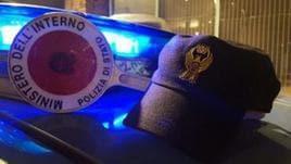 Poliziotto accusato di insulti razzisti
