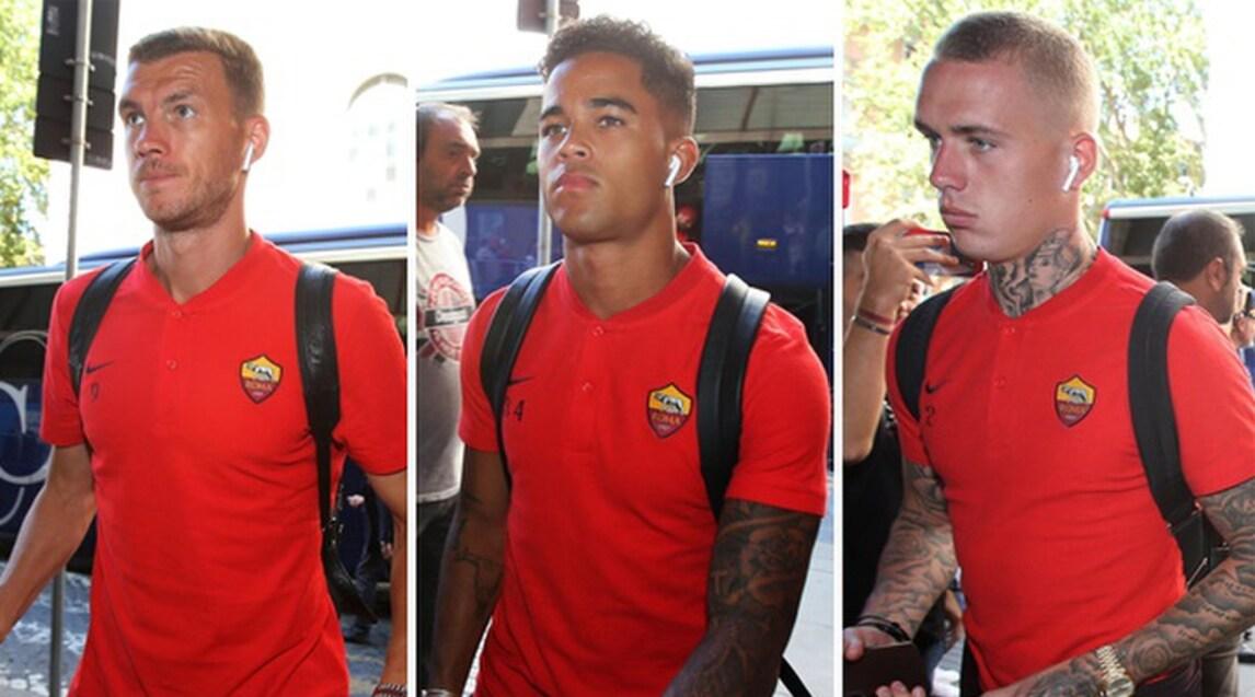 La squadra di Di Francesco in treno dalla stazione Termini. Domani la sfida contro il Milan a San Siro