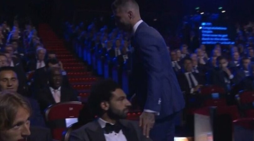 Champions, Ramos provoca Salah. Gelo tra i due