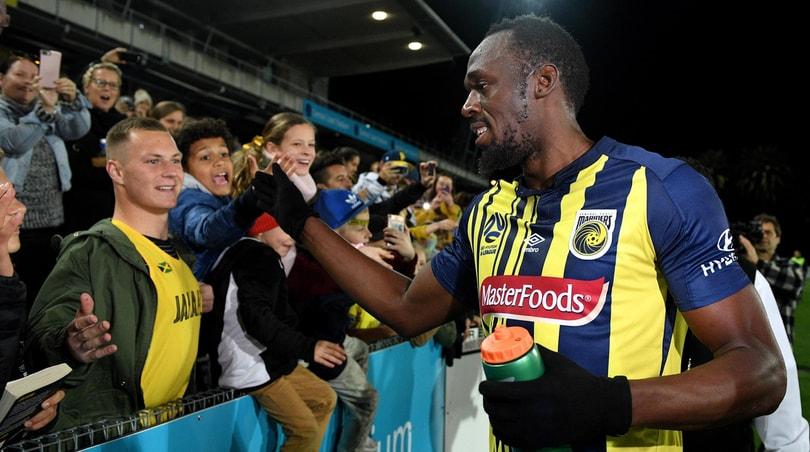 Bolt, esordio da professionista nel calcio
