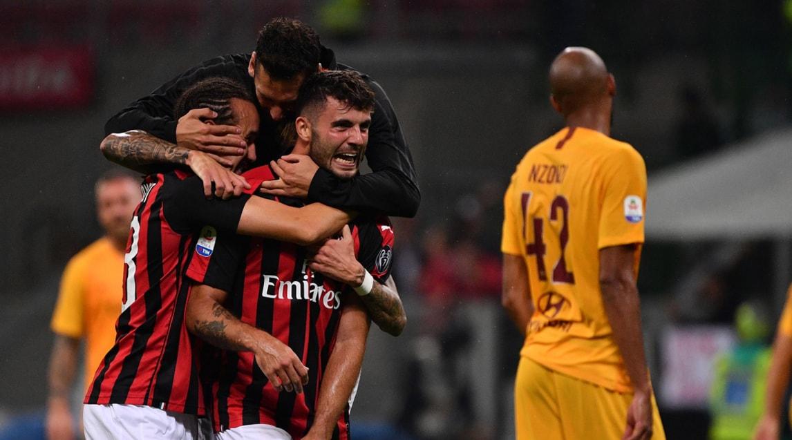 Gol ed emozioni al Meazza nell'anticipo di lusso della terza giornata di Serie A, vinto dai rossoneri allo scadere