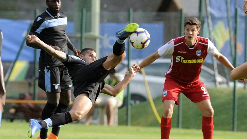 Serie A, scontri tra tifosi di Lazio e Spal: scattano le denunce