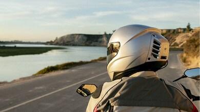 Feher inventa il casco con l'aria condizionata