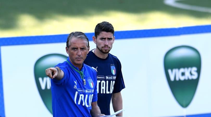 Italia, Mancini lavora sul 4-3-3: Balotelli nel tridente, Benassi verso il debutto