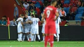 Nations League, Under e Calhanoglu vanno al tappeto con la Russia. Vince di misura la Serbia