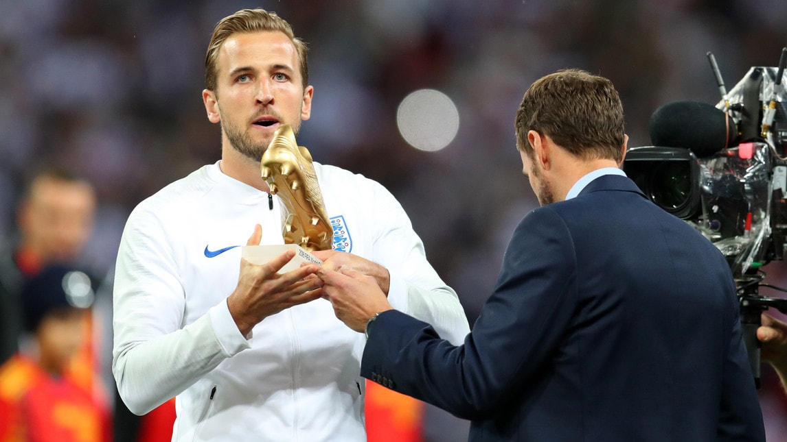 L'attaccante del Tottenham premiato a Wembley per il titolo di capocannoniere di Russia 2018