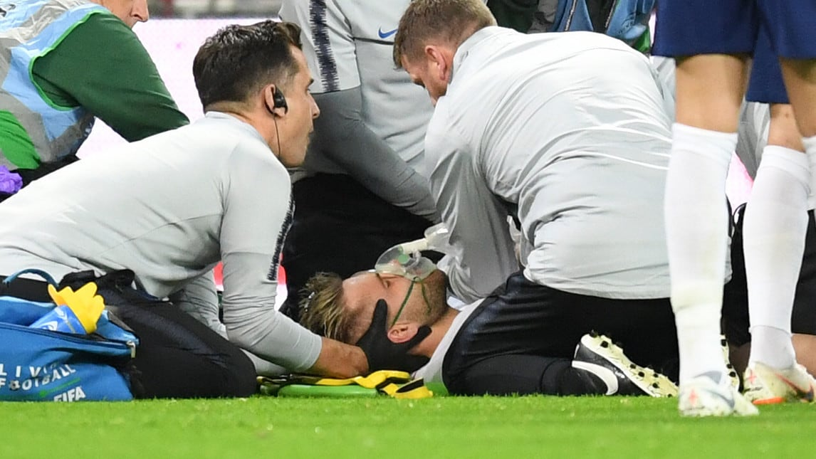 L'esterno della nazionale inglese è rimasto vittima di un brutto infortunio durante il match contro la Spagna dopo un violento scontro di gioco con Carvajal. Il giocatore ha perso conoscenza per qualche secondo e la partita è stata sospesa per sei minuti