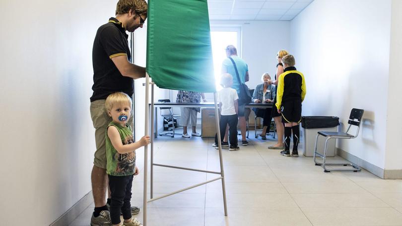 Svezia: aperti seggi in voto, timori Ue