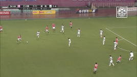 J-League, Akimoto come Karius...