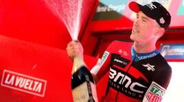 """Vuelta: Dennis vince la crono, Yates resta in """"roja"""""""