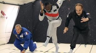 Bolt sfida la gravità: gara di sprint con due astronauti