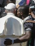 Migranti: Papa, no occhi chiusi su cause
