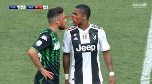 Juventus, Douglas Costa sputa in faccia a Di Francesco: il Var lo espelle