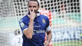 Serie B, Verona-Carpi 4-1: show di Pazzini. Salernitana-Padova 3-0