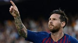 Champions League, ottava tripletta di Messi che stacca Cristiano Ronaldo