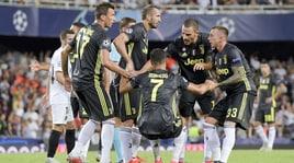 Agnelli carica la Juventus e consola Cristiano Ronaldo: «Uno per tutti, tutti per uno»