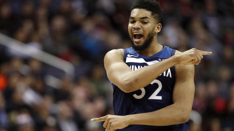 NBA, Towns rinnova con i Timberwolves