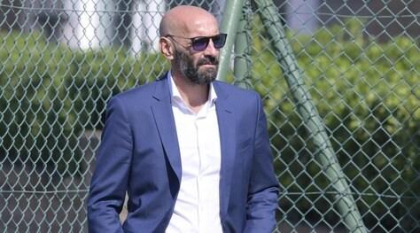 La Roma si allena sotto gli occhi di Monchi. Il ds non va a Madrid