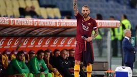 Roma, la protesta dei tifosi salva Di Francesco, Totti e De Rossi
