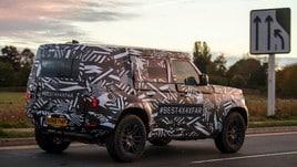 Nuova Land Rover Defender: foto