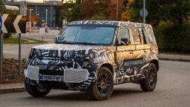 Nuova Land Rover Defender, primi passi su strada aspettando il 2020