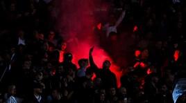 Napoli, procedimento disciplinare della Uefa per lancio fumogeni