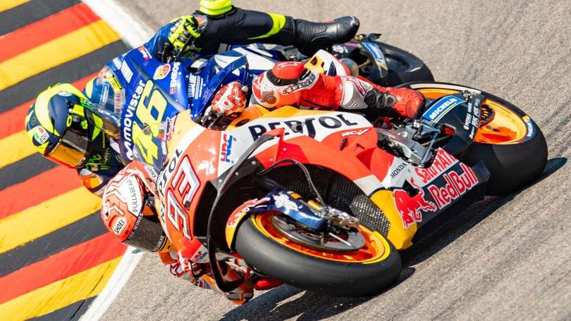 MotoGp Thailandia, griglia di partenza: Marquez in pole, Rossi secondo