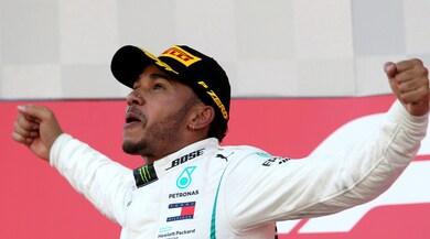 F1, Hamilton show in Giappone: che gioia sul podio!