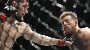 Ufc,Nurmagomedov demolisce McGregor ma alla fine è rissa totale