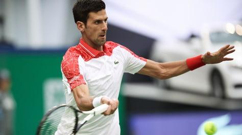 Tennis, Shanghai: Djokovic batte Zverev e vola in finale