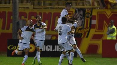 Serie C, la Juve Stabia sa solo vincere: 3-0 al Catanzaro. Primo stop per il Trapani: vince il Catania 3-1