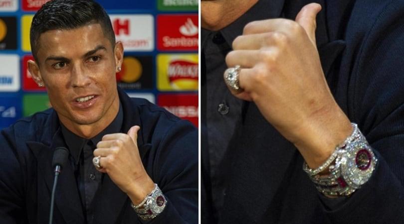 Ronaldo a Manchester sfoggia l'orologio da 1,5 milioni di euro