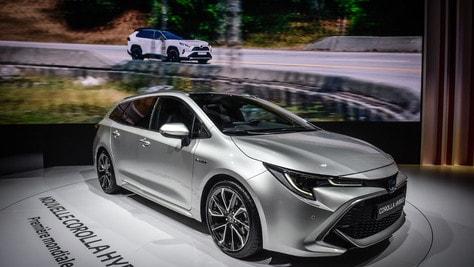 Toyota: una spinta verso l'elettrico ibrido