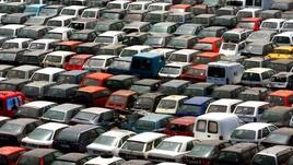 Mercato auto, a ottobre altro calo in Italia: -7,4%