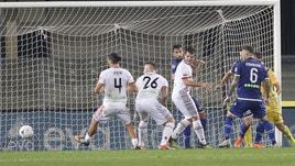 Serie B Verona-Cremonese 1-1. Arini replica a Caracciolo