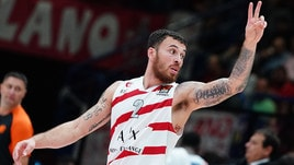 Eurolega, Milano vince allo scadere: James stende l'Efes