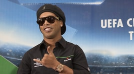 Ronaldinho nei guai: in banca ha meno di sei euro!
