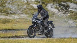 Nuova Honda CB500X 2019: le FOTO