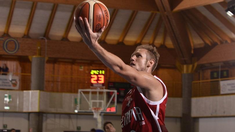Basket, Cantù: ingaggiato La Torre, per lui un accordo triennale