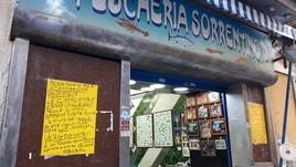 Catacombe San Gennaro:cartelli in strada