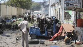 Tre autobombe a Mogadiscio, 17 morti