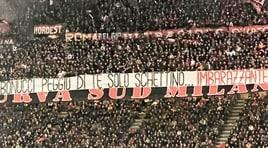 Tifosi del Milan, fischi e insulti contro Bonucci