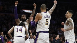 Lakers, Lebron schiaccia Atlanta. Show Bucks, sorride Houston