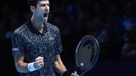 Tennis, ATP Finals: Djokovic facile contro Zverev