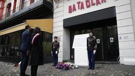 Macron commemora attentati 13/11