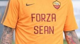La Roma incontra la moglie di Sean Cox e dona 150 mila euro per le cure