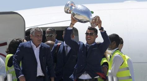 Portogallo, Santos: «Ronaldo merita il Pallone d'Oro»