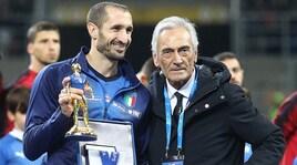 Chiellini premiato: 100 presenze con la Nazionale